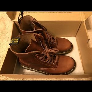 Dr.Martens 1460 Pascal 8 Eye boots